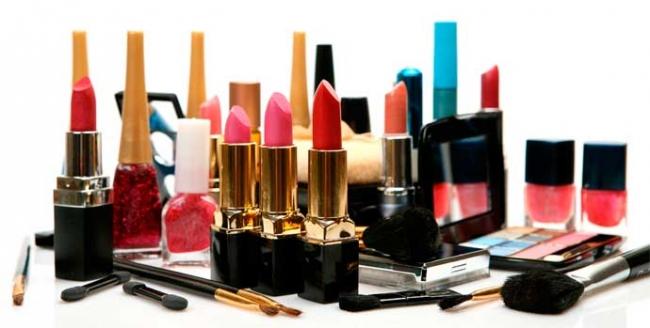 Вредные и потенциально опасные вещества в декоративной косметике