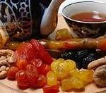 Травяной чай и сухофрукты